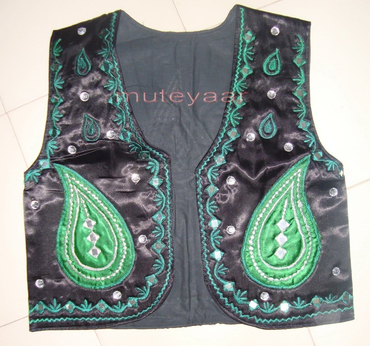 Black Green Girl's Bhangra Costume with separate jacket / vest 2