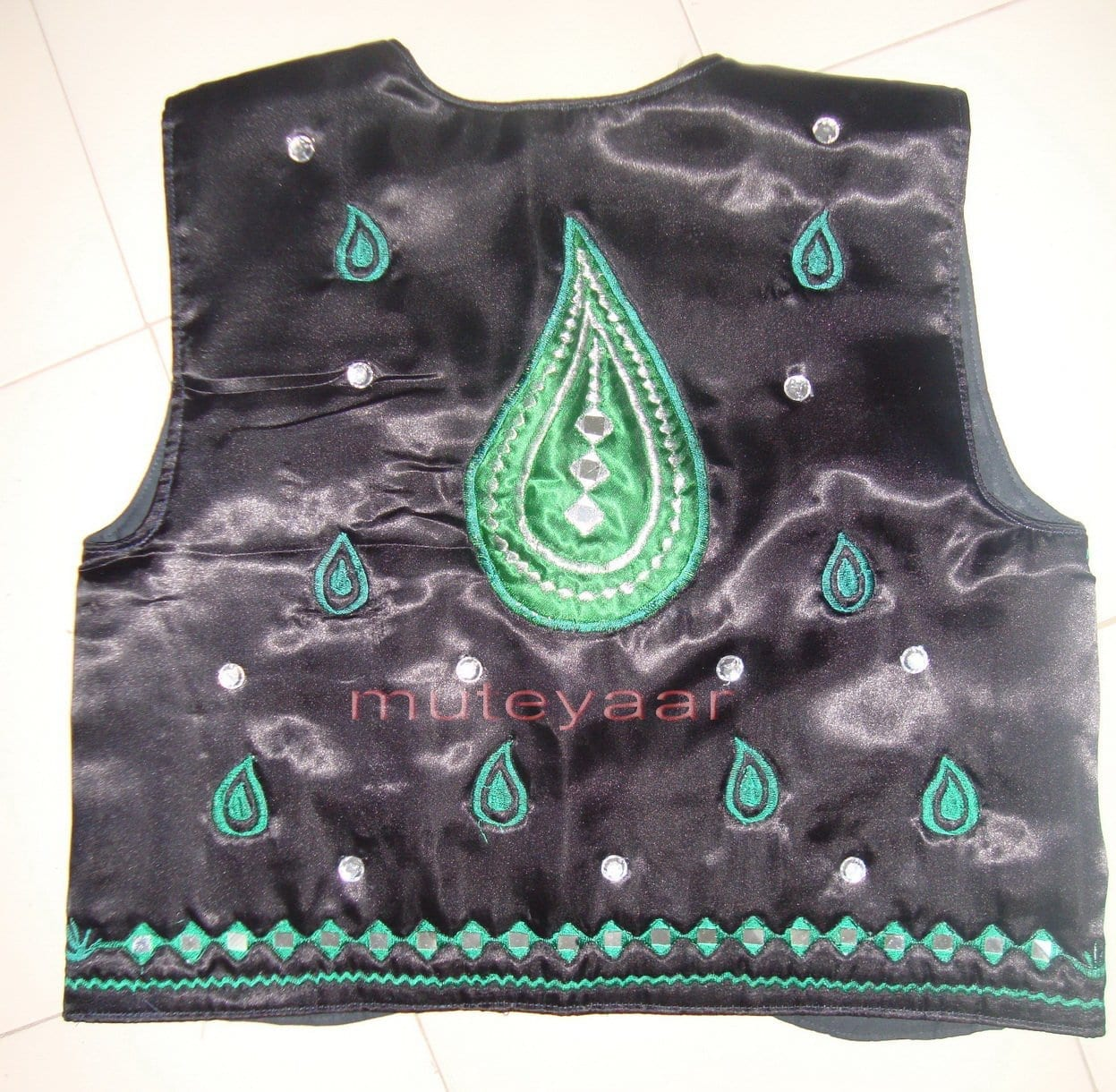 Black Green Girl's Bhangra Costume with separate jacket / vest 3