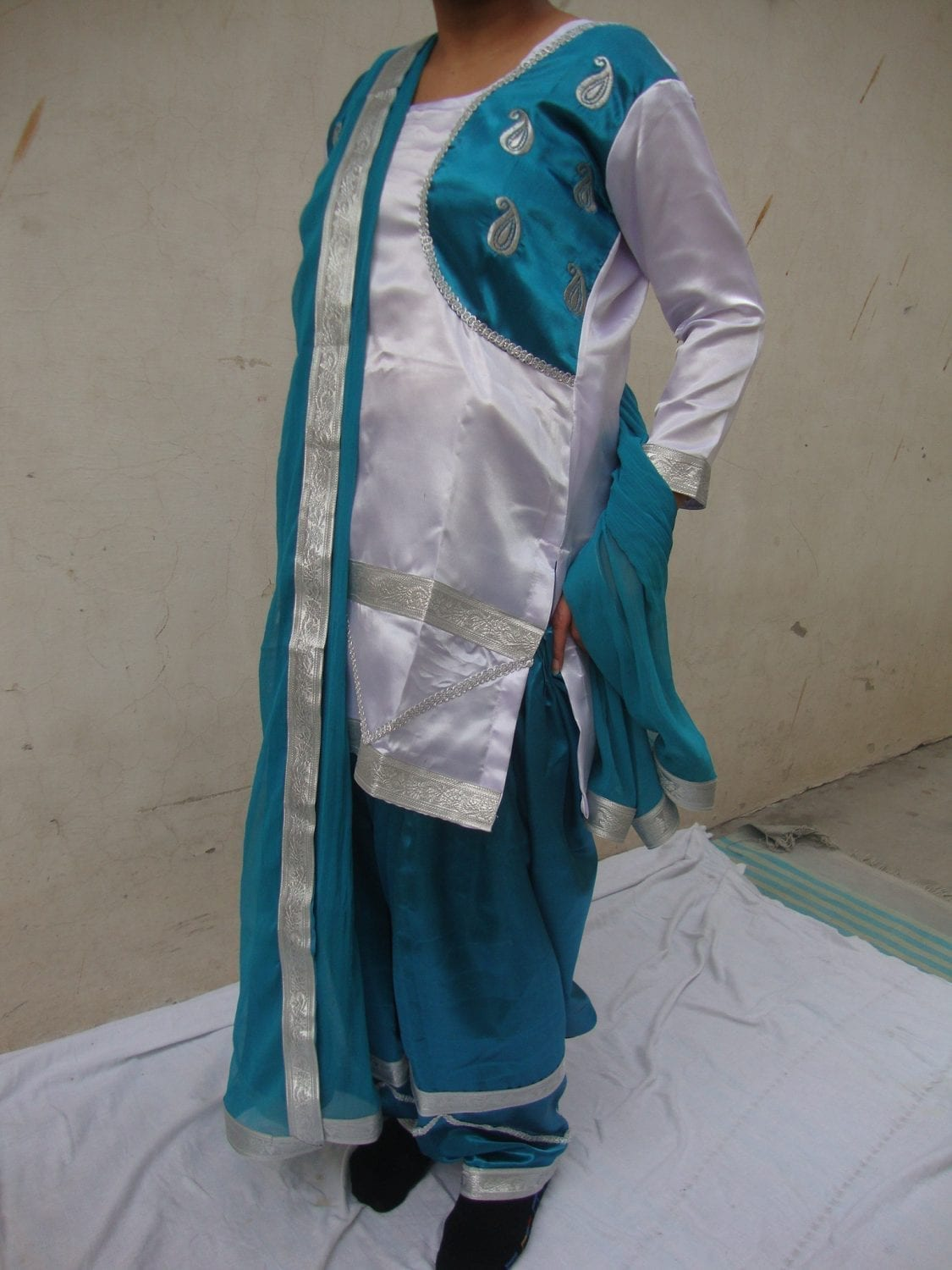 Blue White Girl's Bhangra Costume Outfit Dance Dress 1