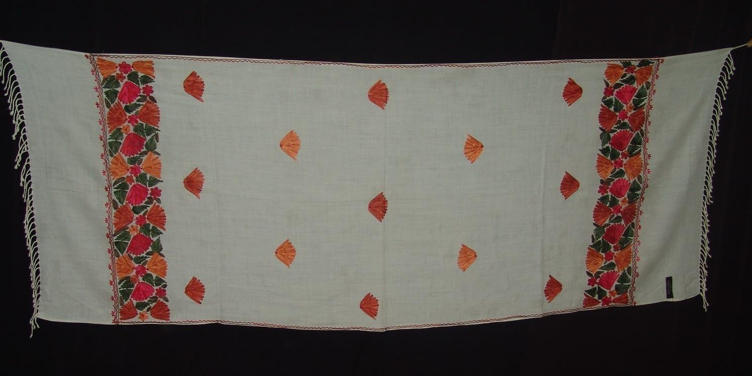 White Kashmiri woollen jaal palla embroidered stole C0126 1