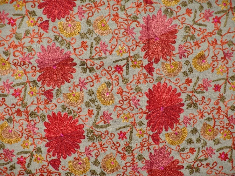 White Kashmiri Pashmina Heavy embroidered stole C0138 2