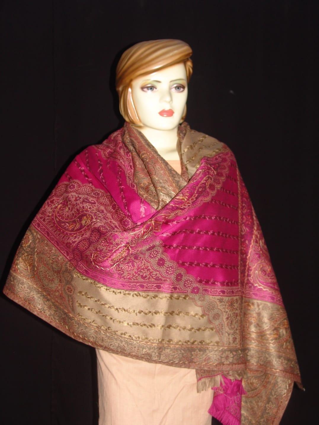 magenta thread embroidered Cashmere Stole C0233 1