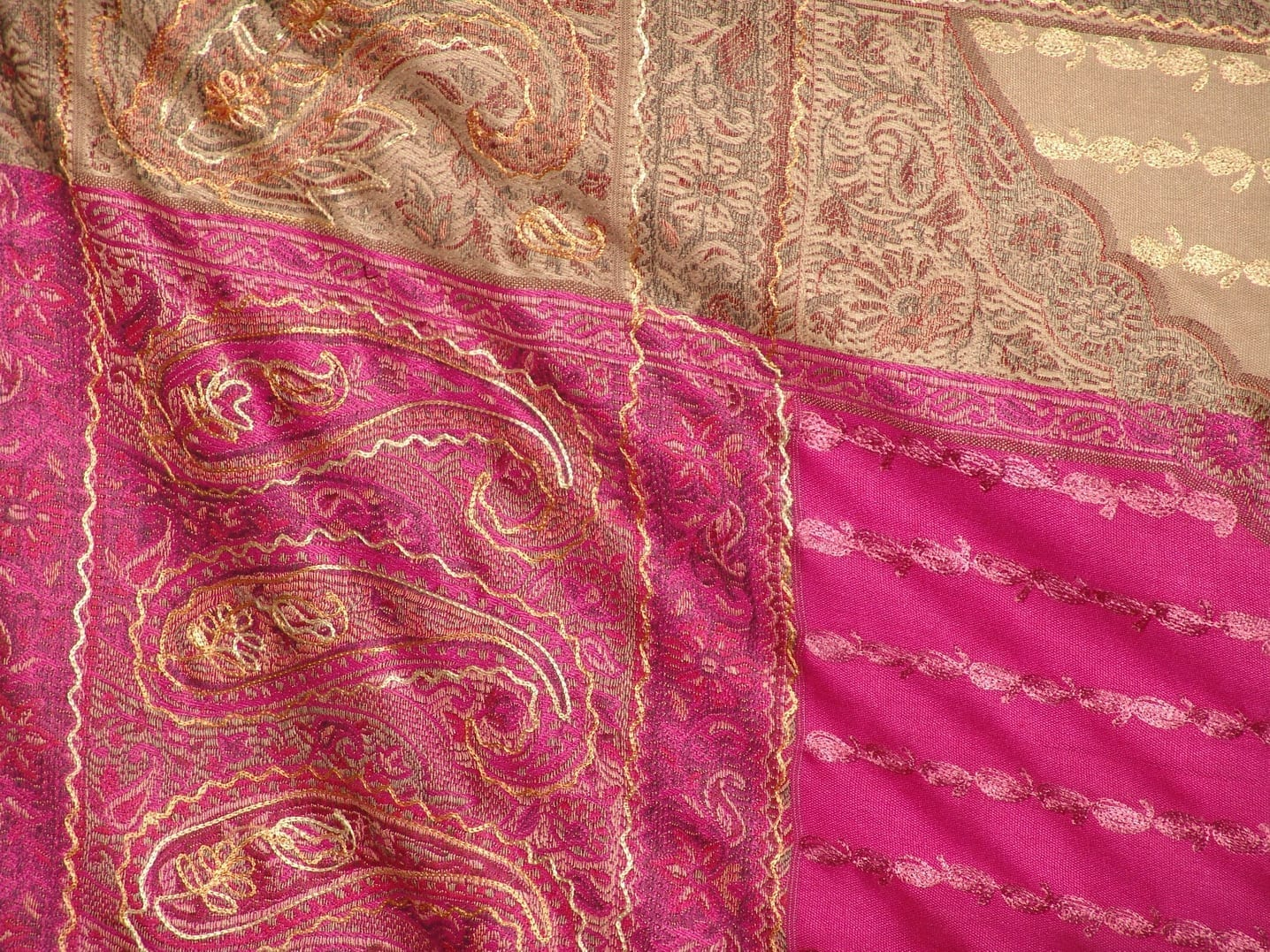 magenta thread embroidered Cashmere Stole C0233 3