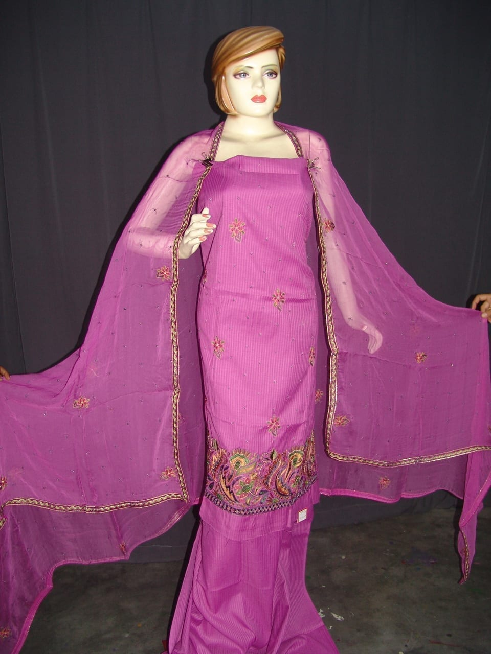 Self Print Cotton Party Wear Hand Embroidered Suit H0128 2