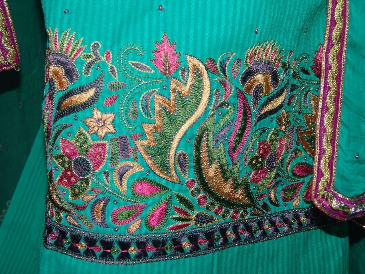Self Print Cotton Party Wear Hand Embroidered Suit H0131 3