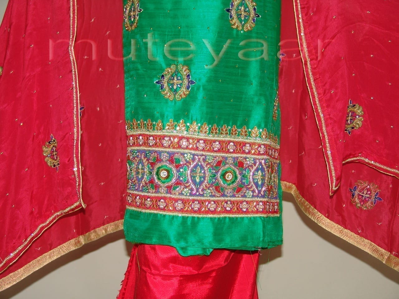 RAW SILK Hand Embroidered party wear Salwar Suit H0181 2