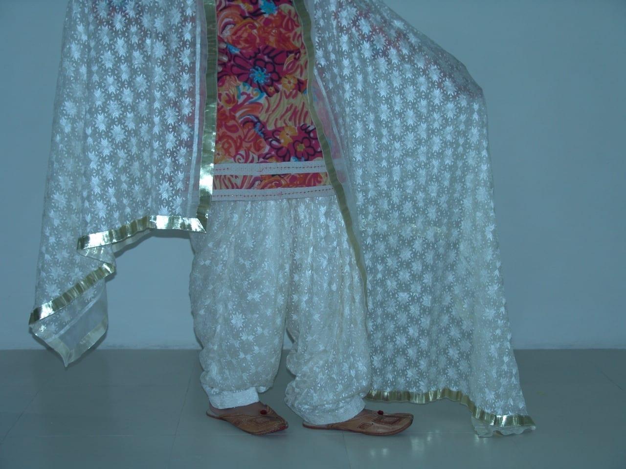 Cream Phulkari Patiala Salwar Dupatta PHS09 3