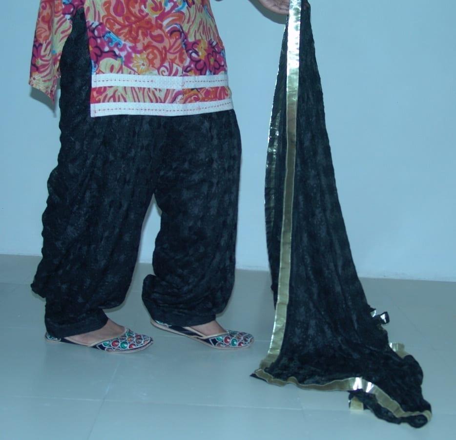 Black Phulkari Patiala Salwar Dupatta PHS10 3