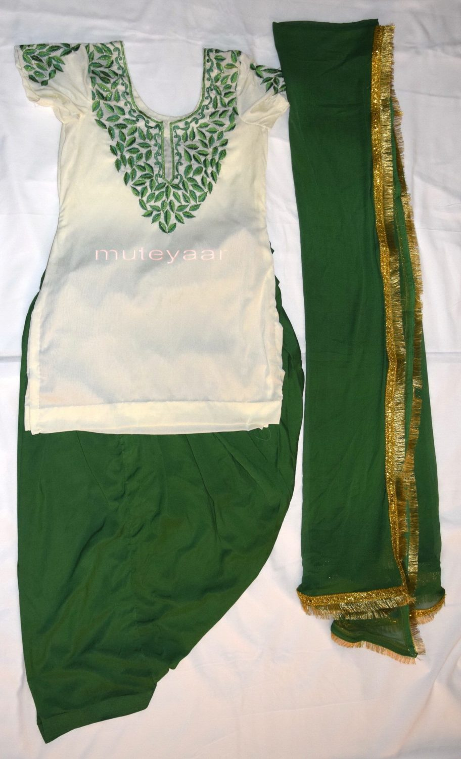 Neck Front & Back embroidered Salwar kameez Suit for Bhangra Giddha RMB265 1