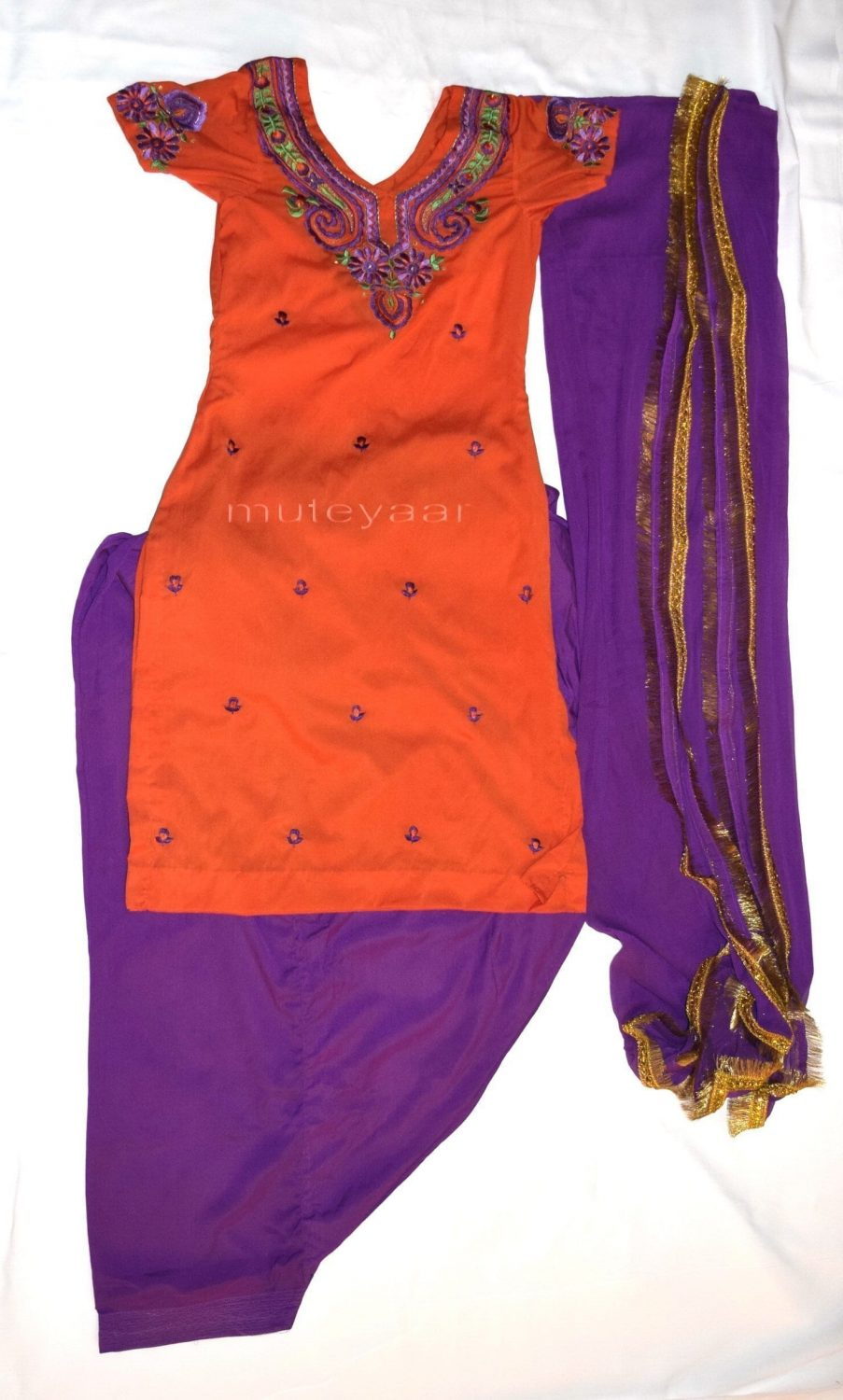 Neck Front & Back embroidered Salwar kameez Suit for Bhangra Giddha RMB269 1