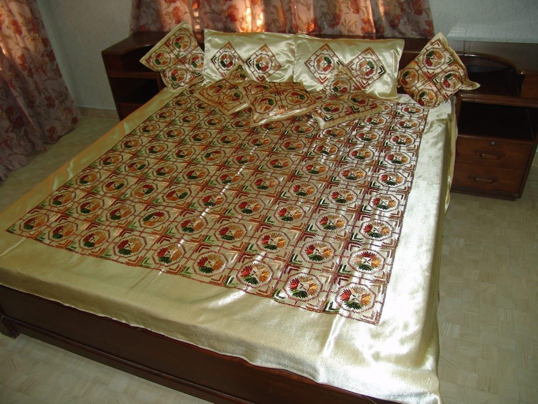 Golden Phulkari Bed Cover Set of 8 pcs Z0031 1