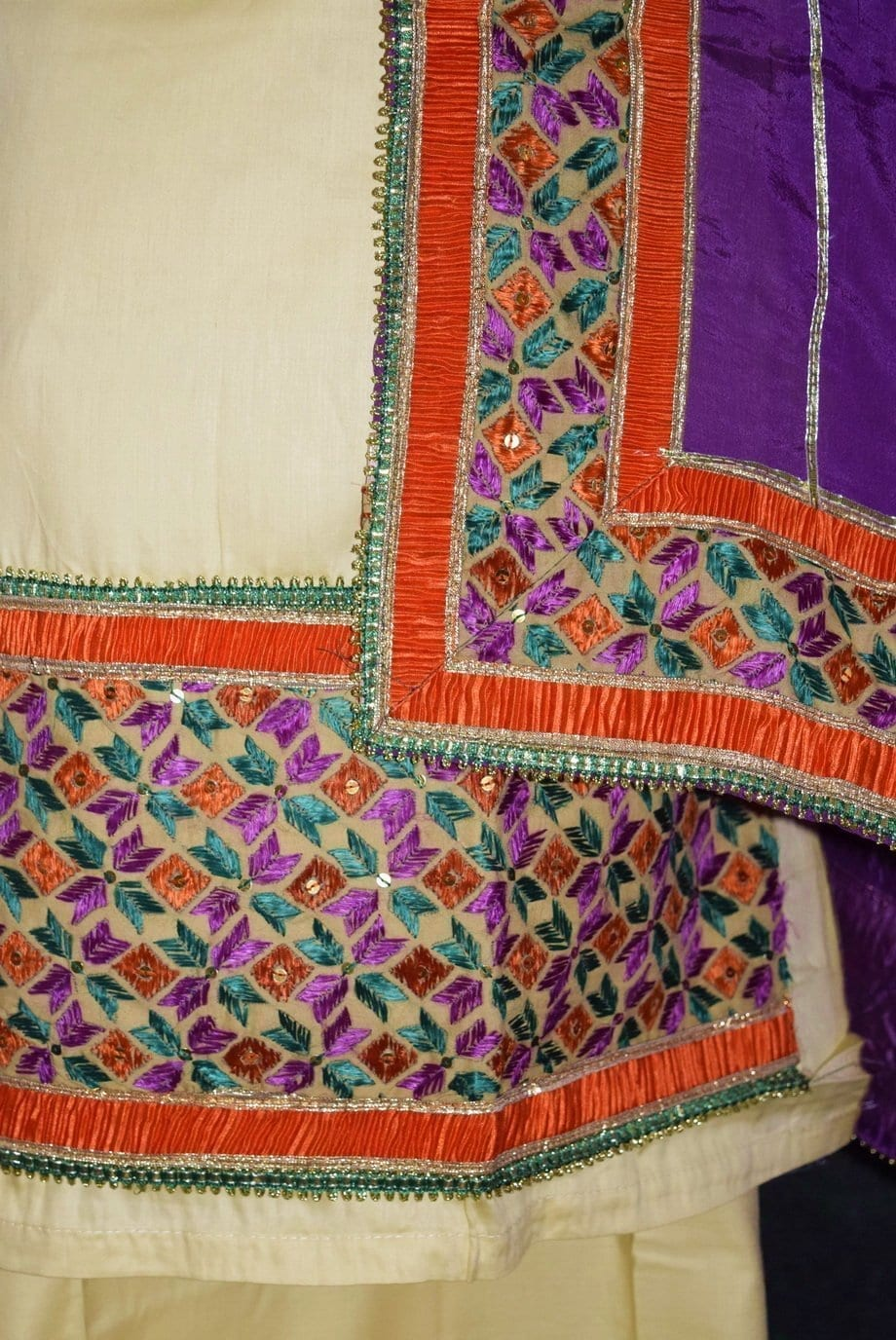Glazed Cotton Hand Embroidered Salwar kameez suit CHINON DUPATTA set F0659 3
