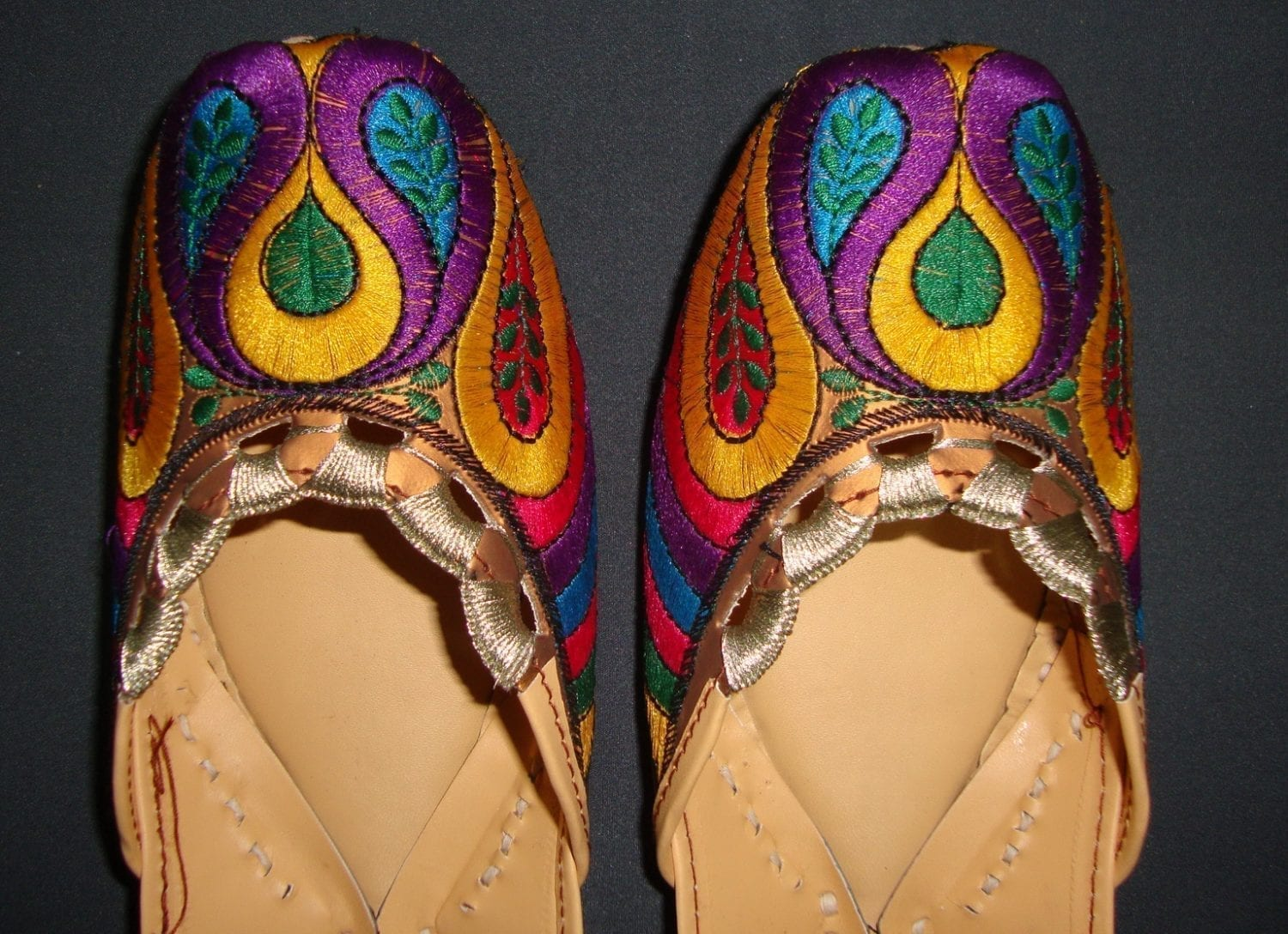 Thread Embroidered hand made Punjabi Jutti Party wear Shoes PJ9704 1