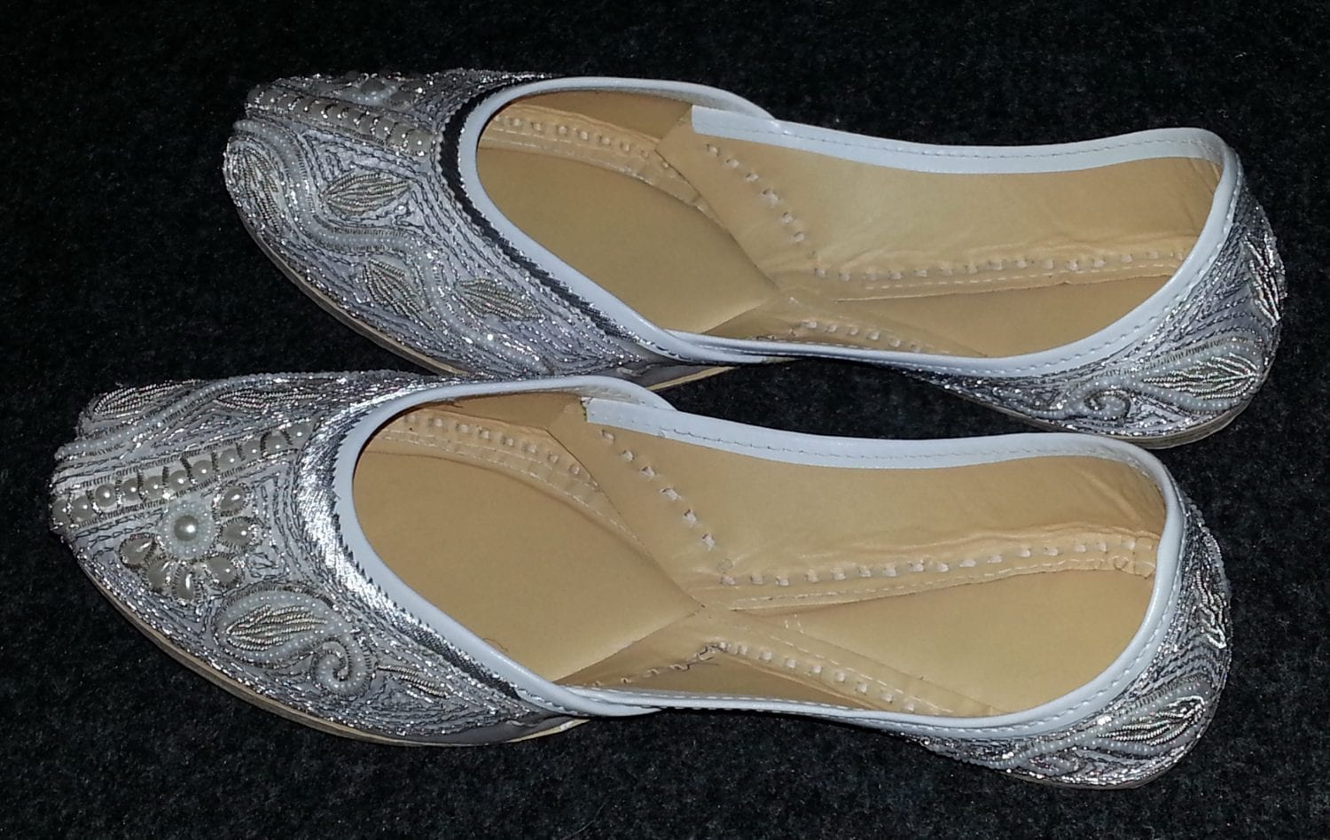 White Embroidered hand made Punjabi Jutti Party wear Shoes PJ9727 1