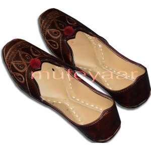 Traditional Embroidered hand made Punjabi Jutti Bridal Shoes PJ9752