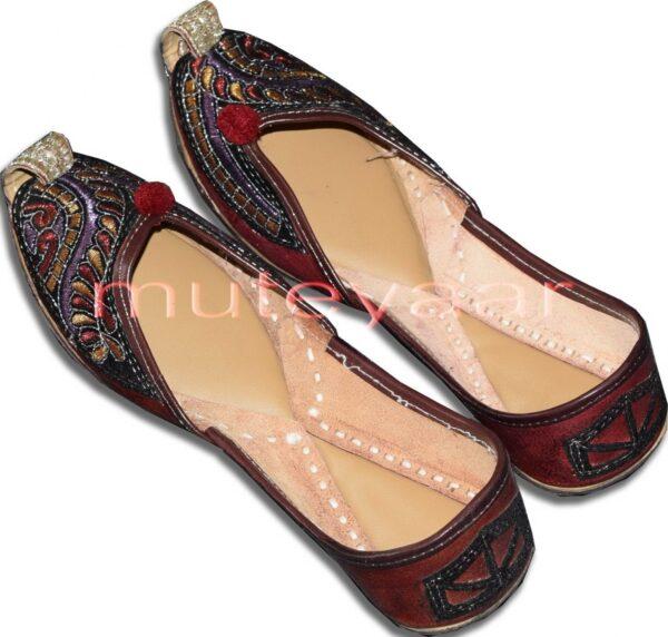 Ethnic Embroidered hand made Punjabi Jutti Bridal Shoes PJ9754
