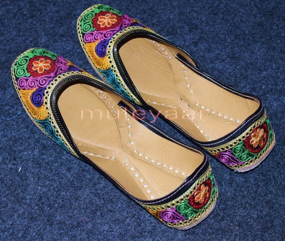 Thread Embroidered hand made Punjabi Jutti Party wear Shoes PJ9757 1