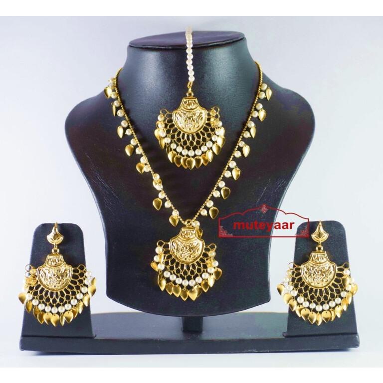 Gold Plated Traditional Punjabi Jewellery Earrings Tikka Pendant set J0178
