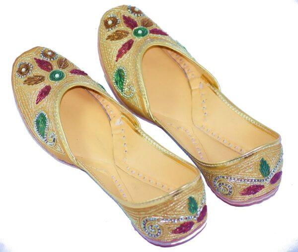 Traditional Dabka Embroidered Hand Made Leather Punjabi Jutti PJ9766
