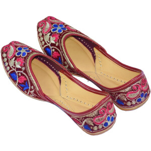 Traditional Embroidered Hand Made Leather Punjabi Jutti Bridal Shoes PJ9773