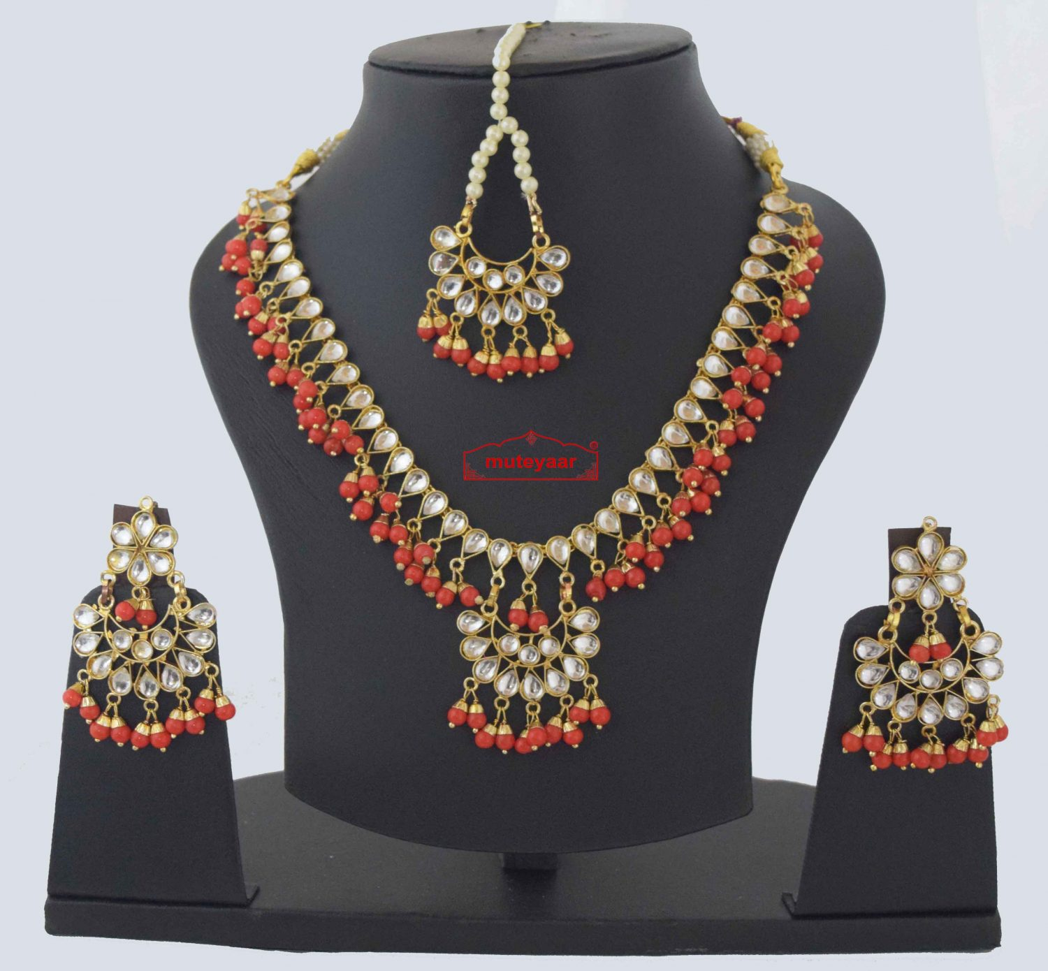 Kundan Necklace Earrings set with matching Tikka J0373 1