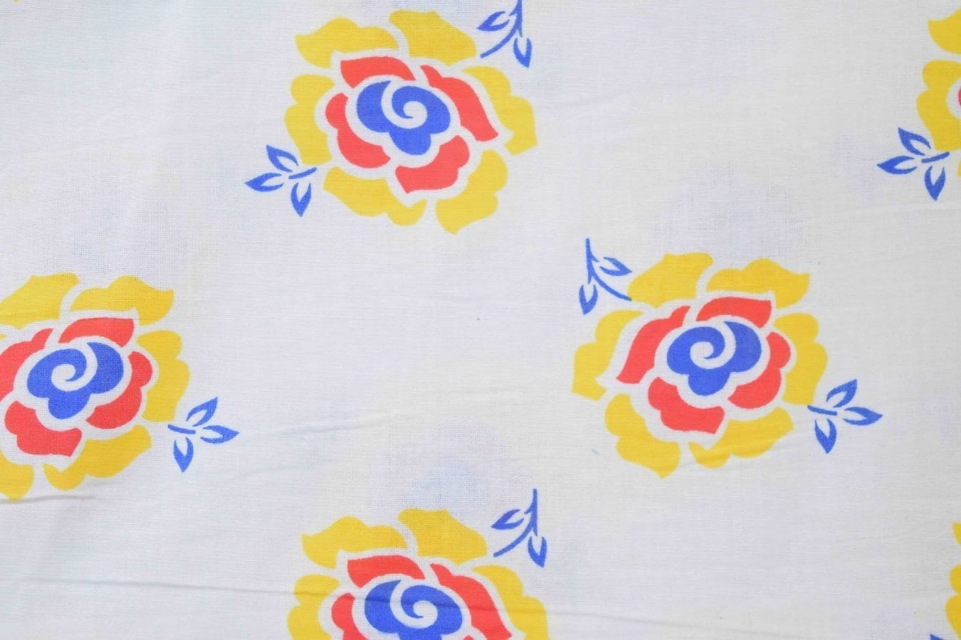 White multi floral COTTON PRINTED FABRIC for Multipurpose use PC368 2