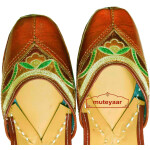 Brown Embroidered Hand Made Embroidered Leather Punjabi Jutti PJ9802