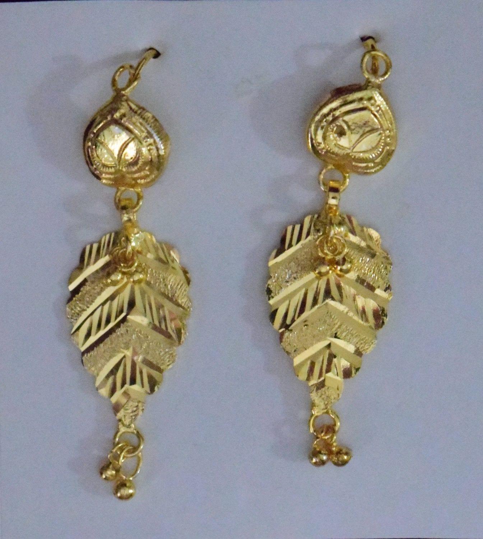 Gold Polished Designer Patti Earrings 1.5 inch long J0453 1