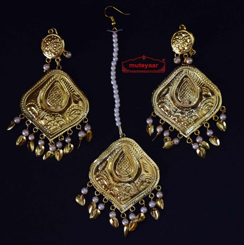 Gold Polished Punjabi Earrings Tikka set with white moti beads J0459 1