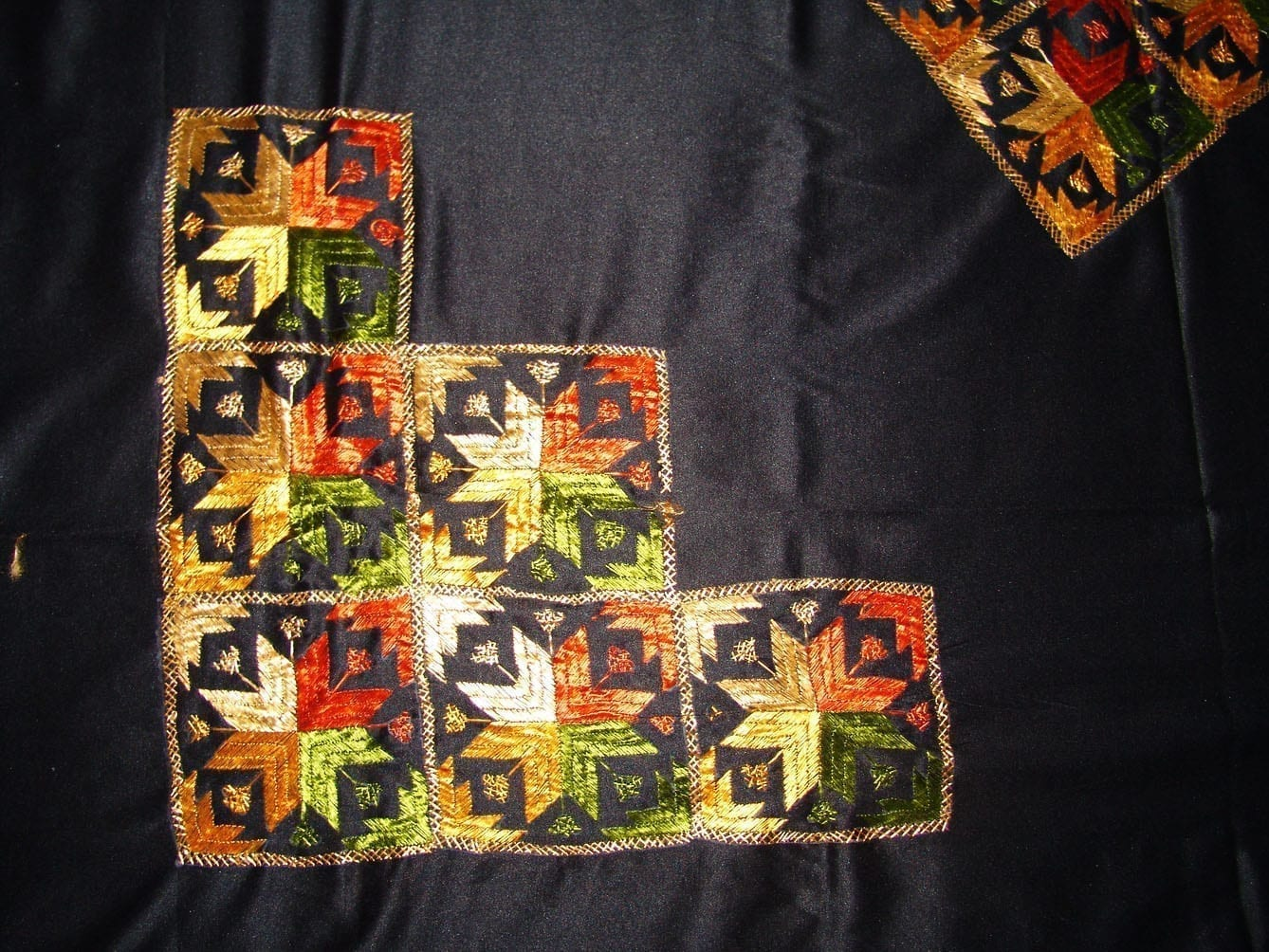 Glazed Cotton Black Phulkari Bed Cover Set Z0030 3