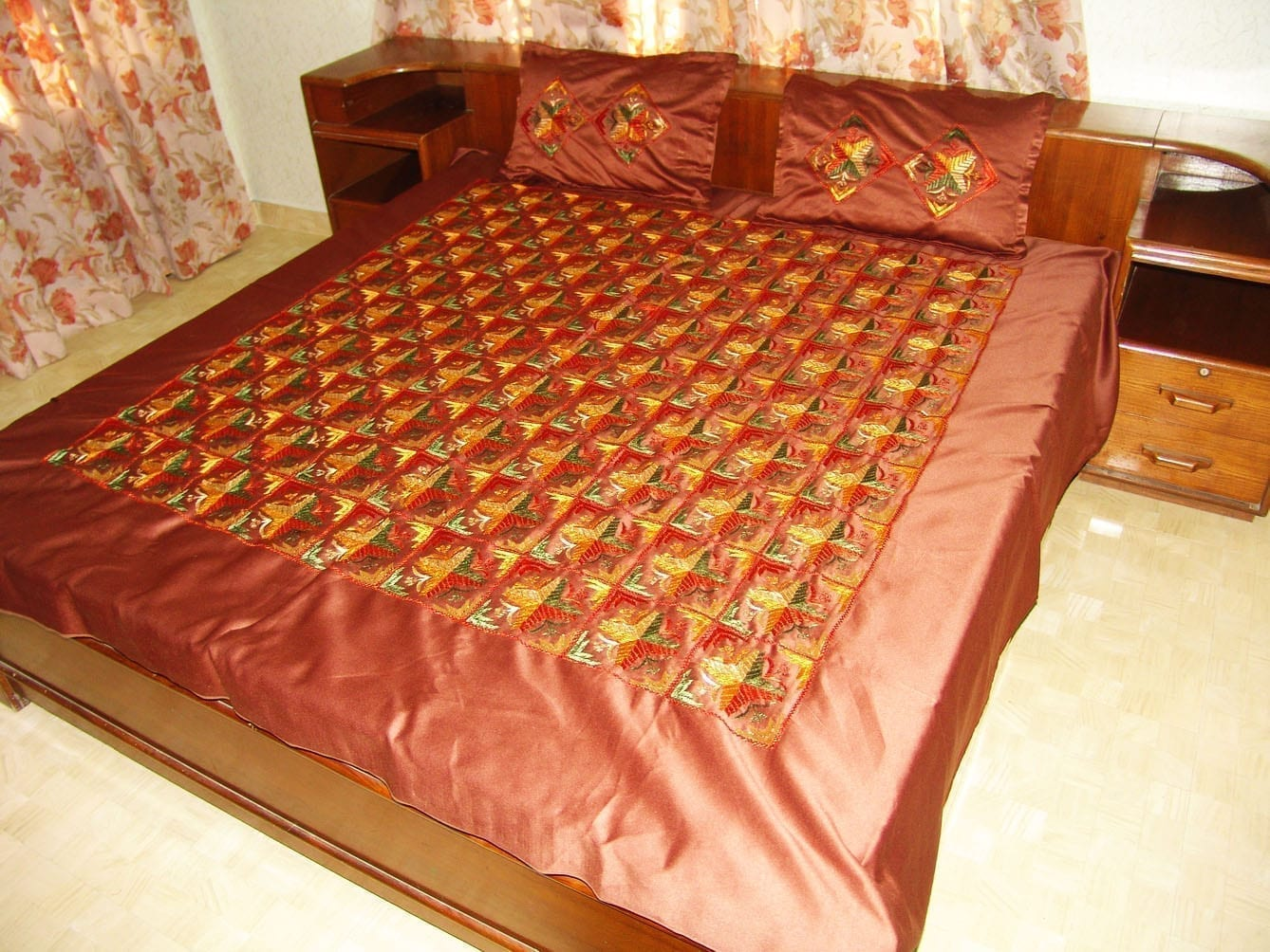 Brown Jaal Phulkari Bed Cover set Hand Embroidered Bedsheet Z0034 1