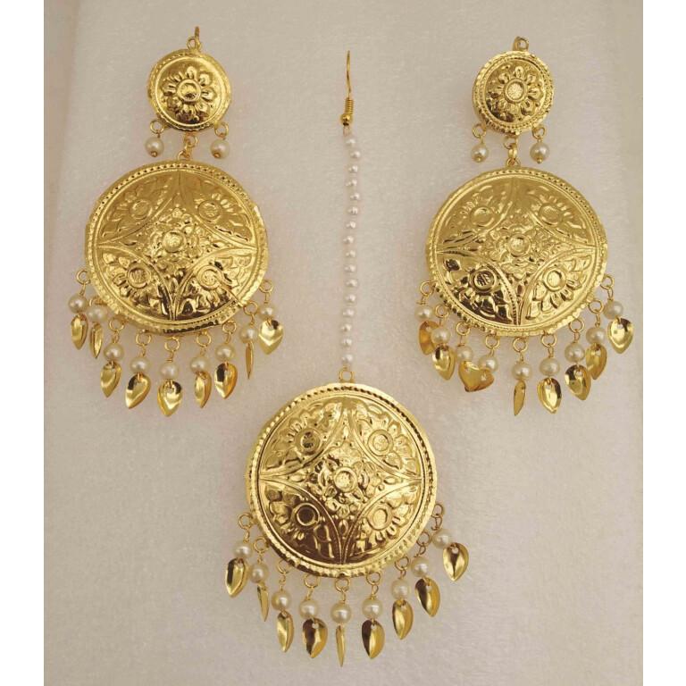 Gold Polished Round Punjabi Earrings Tikka set J0494