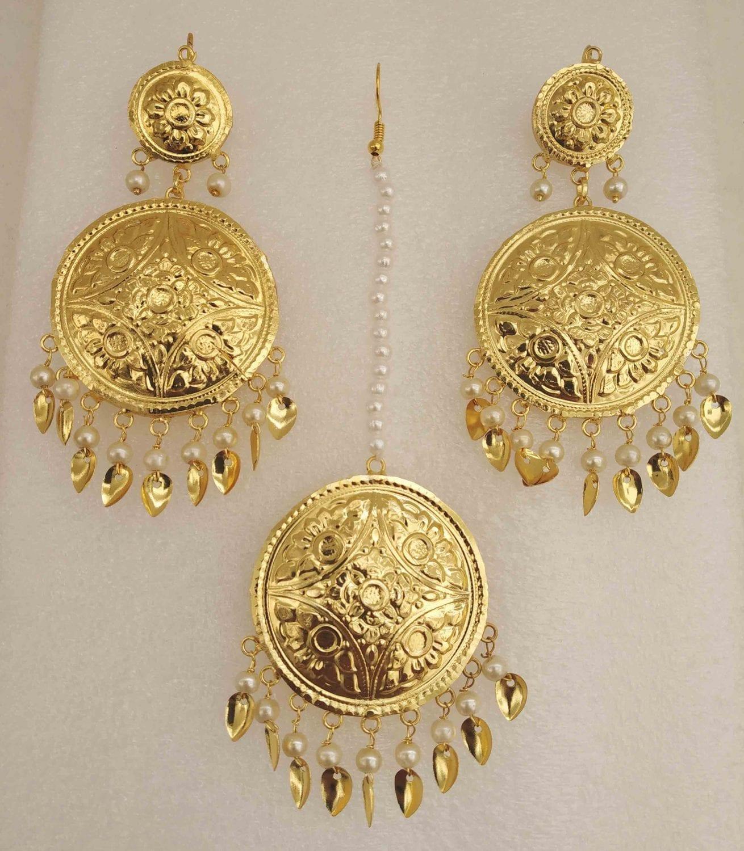 Gold Polished Round Punjabi Earrings Tikka set J0494 1