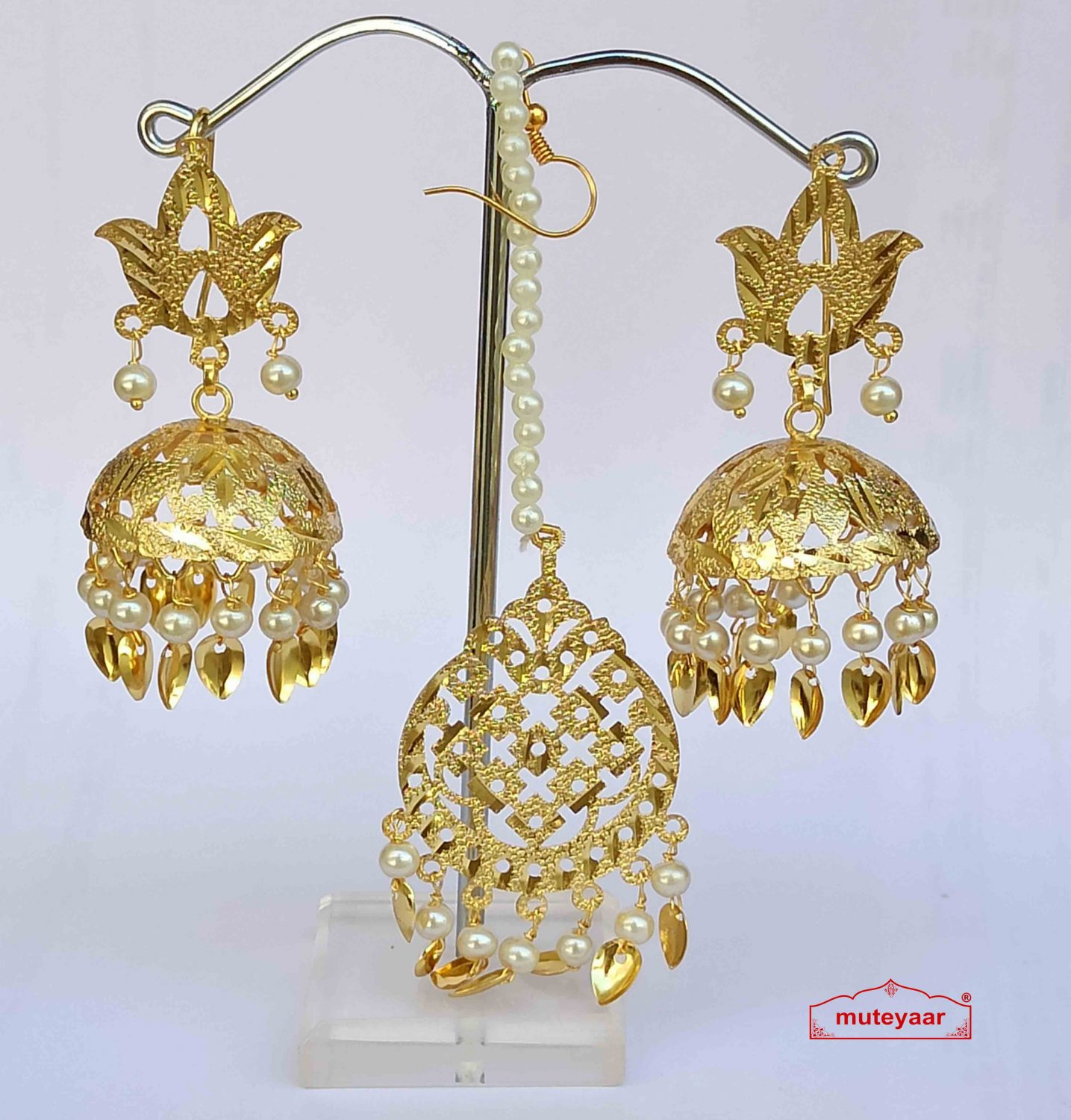 Golden Punjabi Jhumki Tikka Set J0532 1