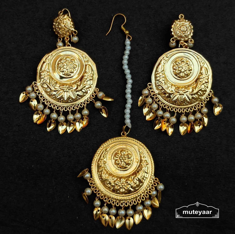 Gold Polished Round Earrings Tikka set J0540 1