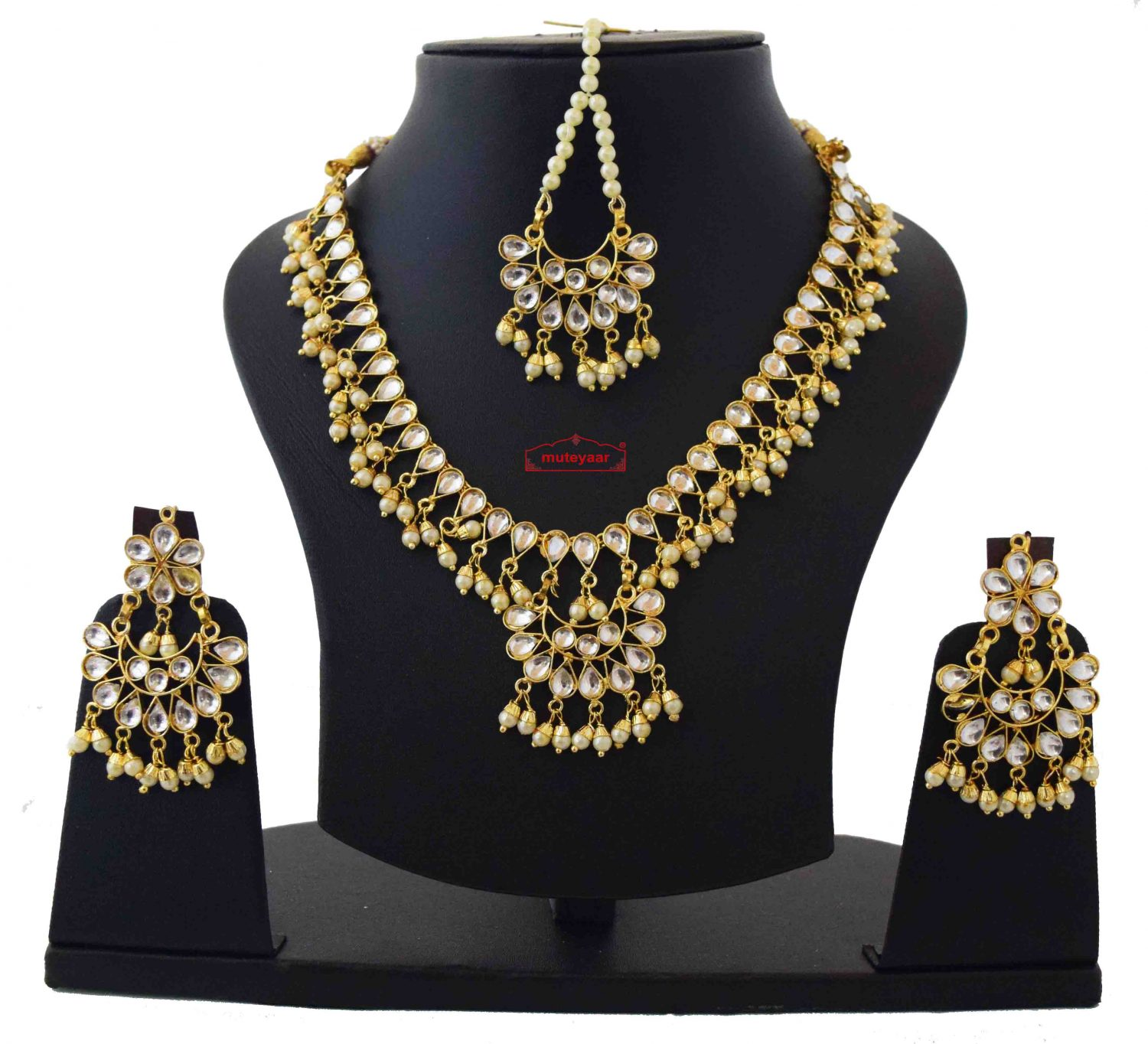 White Kundan Set of Tikka Earrings Necklace J0371 1