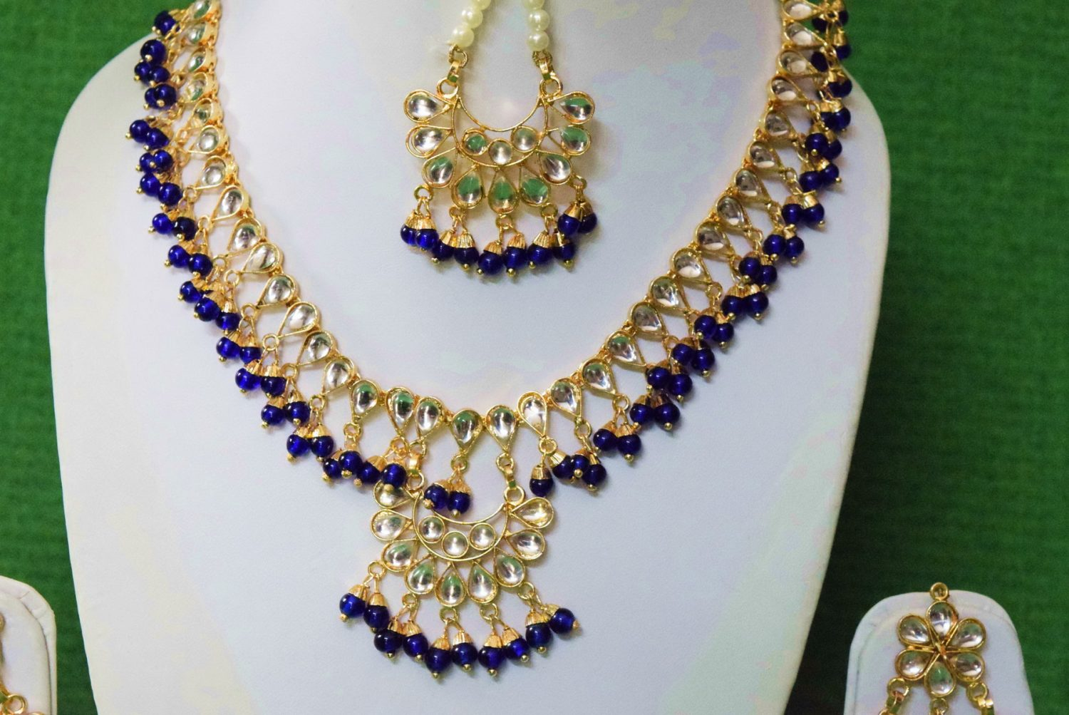 Blue Kundan Set of Tikka Earrings Necklace J0374 2