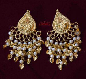 Tear Drop Earings with Moti Patta Hangings J0569