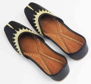 Black Leather Punjabi Jutti PJ9840