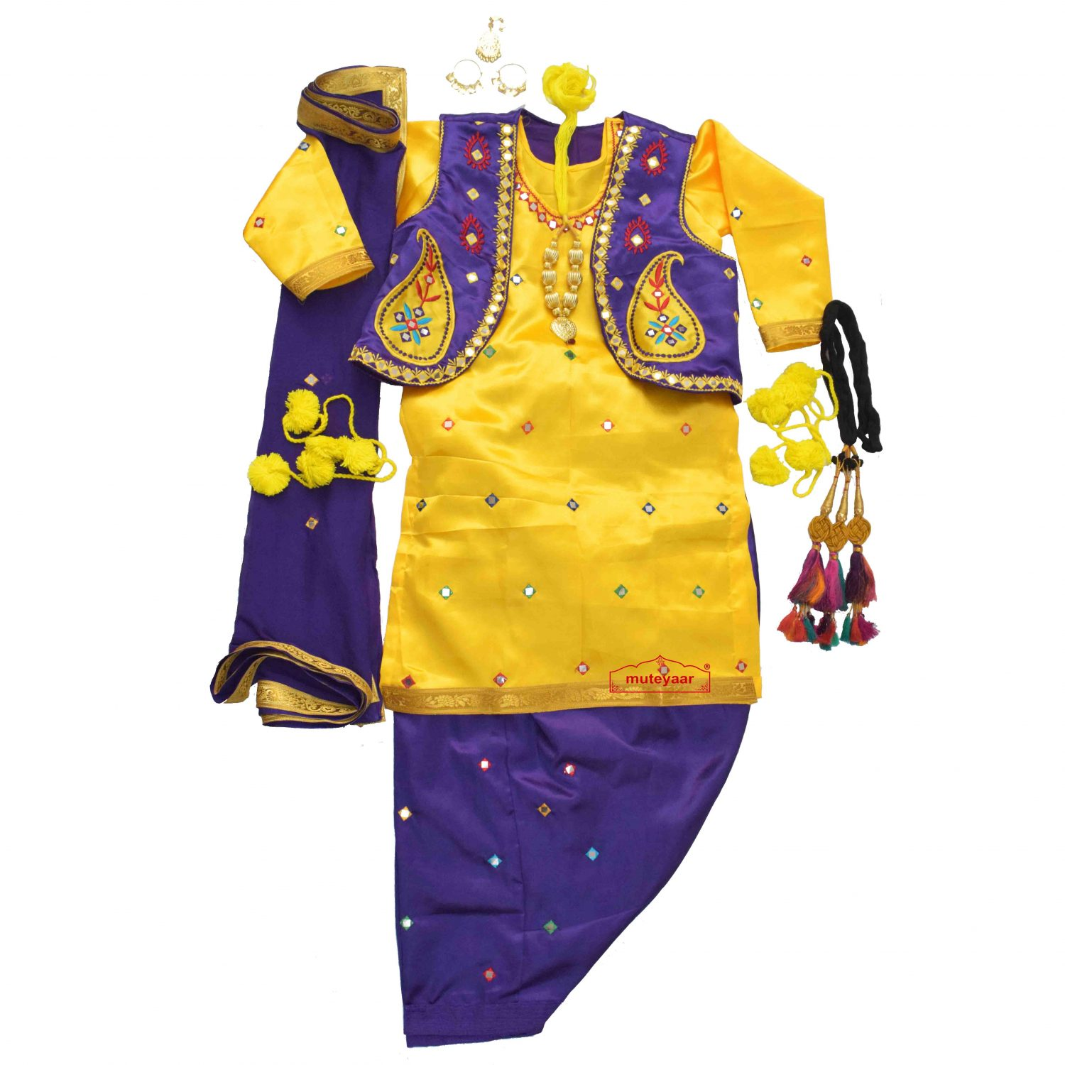 Girl Bhangra Costume with customized embroidery 1